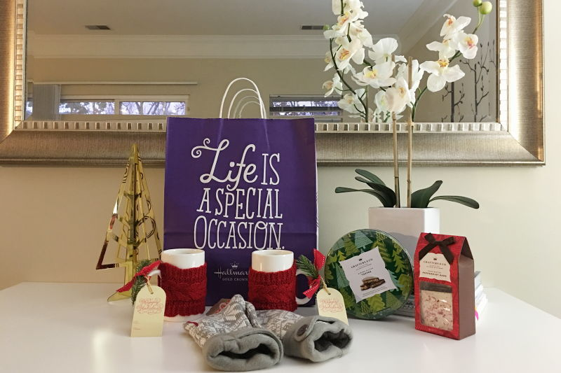 Hallmark Holiday Gift Guide, gifts, chocolate, mugs, mittens